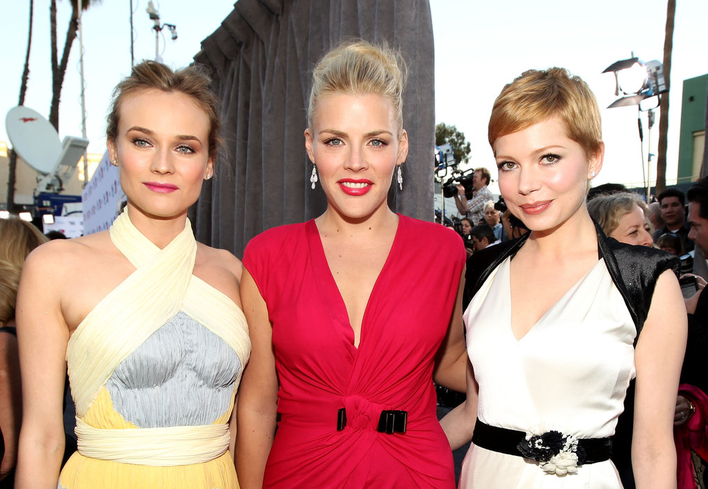 Diane posed for a photo with Busy Philipps and Michelle Williams.