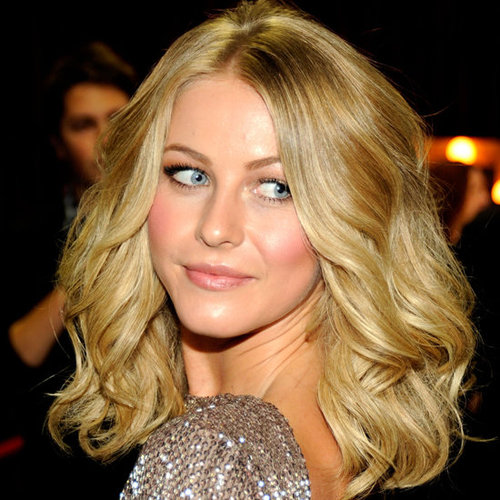 Julianne Hough's Beauty Look at the 2012 People's Choice Awards