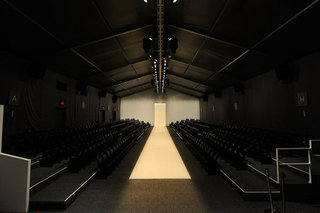New York and London Fashion Weeks Agree to September 2012 Date Change