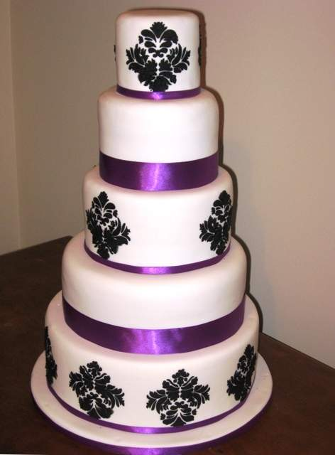 Purple And Black Wedding Cakes Ideas
