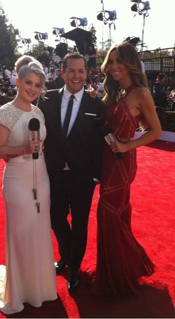The E! online team kick-off the red carpet festivities! Twitter User: MissKellyO