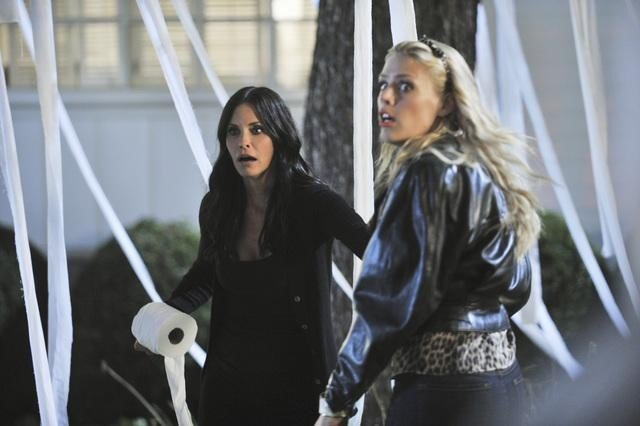 Courteney Cox and Busy Philipps in Cougar Town. Photos copyright 2012 ABC, Inc.