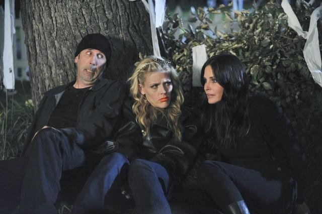 Bob Clendenin, Busy Philipps, and Courteney Cox in Cougar Town. Photos copyright 2012 ABC, Inc.