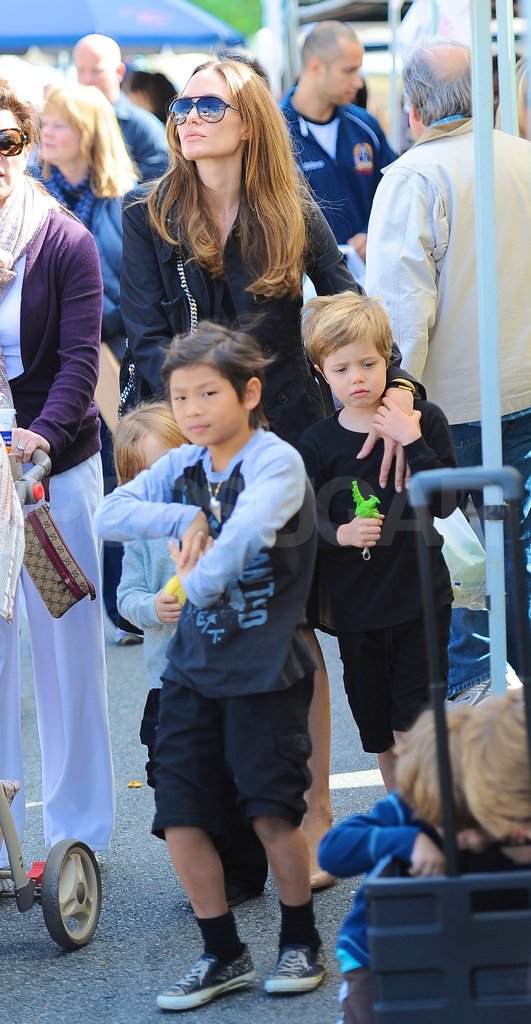 Angelina Jolie bought groceries with Shiloh Jolie-Pitt, Knox Jolie-Pitt, and Pax Jolie-Pitt.