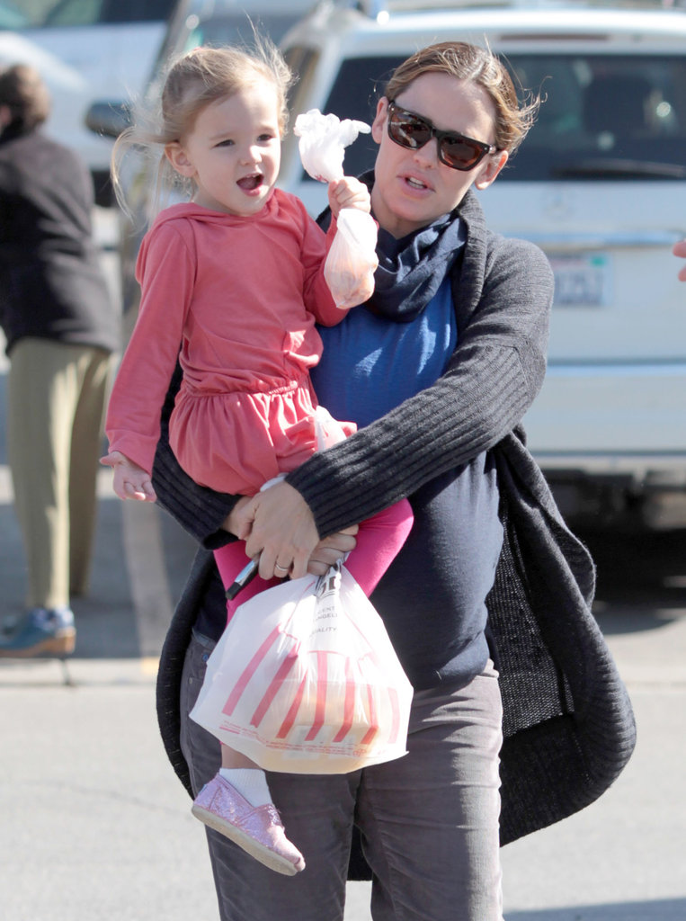Jennifer Garner and Seraphina Bring Smiles and Sparkle to Their LA Day