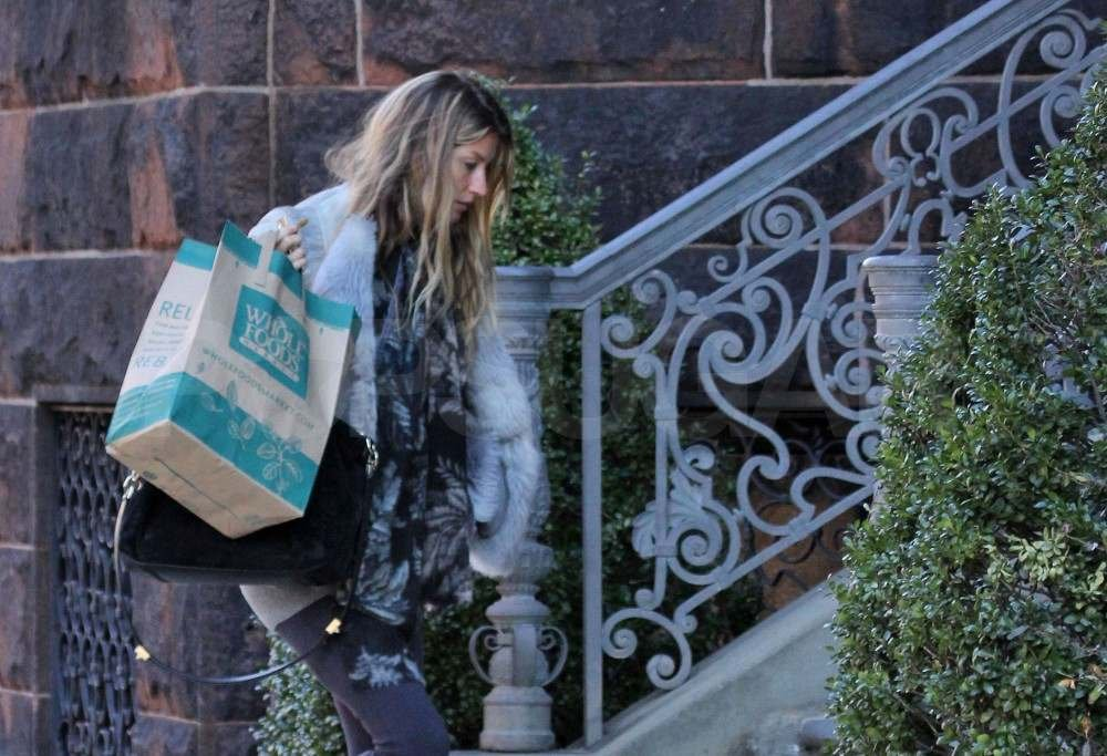 Gisele Bundchen shopping at Whole Foods.
