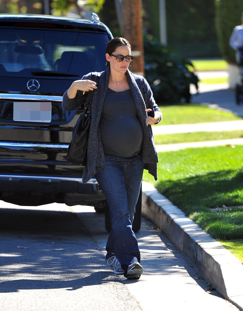Pregnant Jennifer Garner in LA.