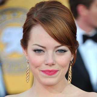 Emma Stone's Hair and Makeup at the 2012 SAG Awards