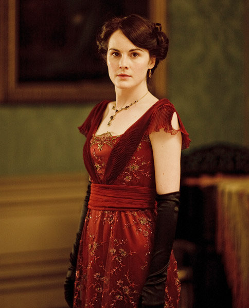 Lady Mary acquires an electric curling iron during season two. The newfangled invention had no heat controls, but it was much safer than previous versions, whose rods had to be heated in a fire.  Source: IT