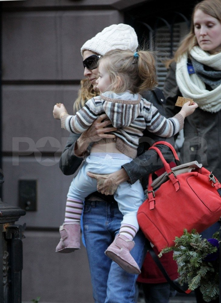 Sarah Jessica Parker and daughter Loretta Broderick spent a weekend day in NYC.