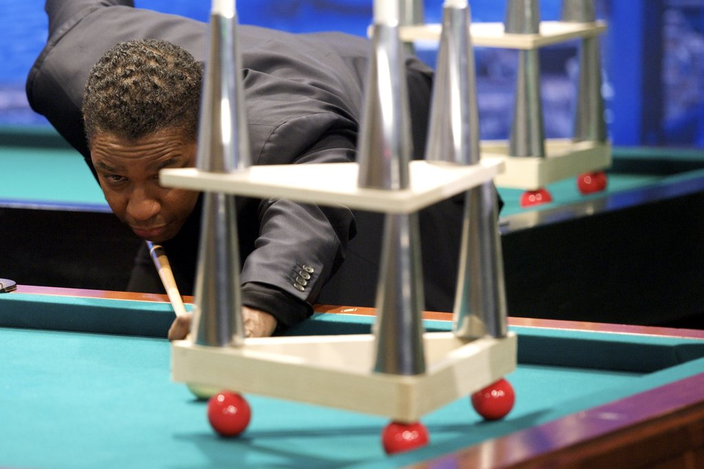Denzel tried his hand at pool.