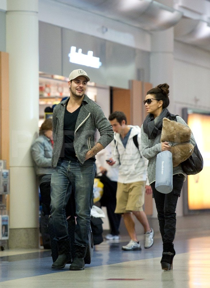 Eva Longoria and boyfriend Eduardo Cruz looked cute at the airport.