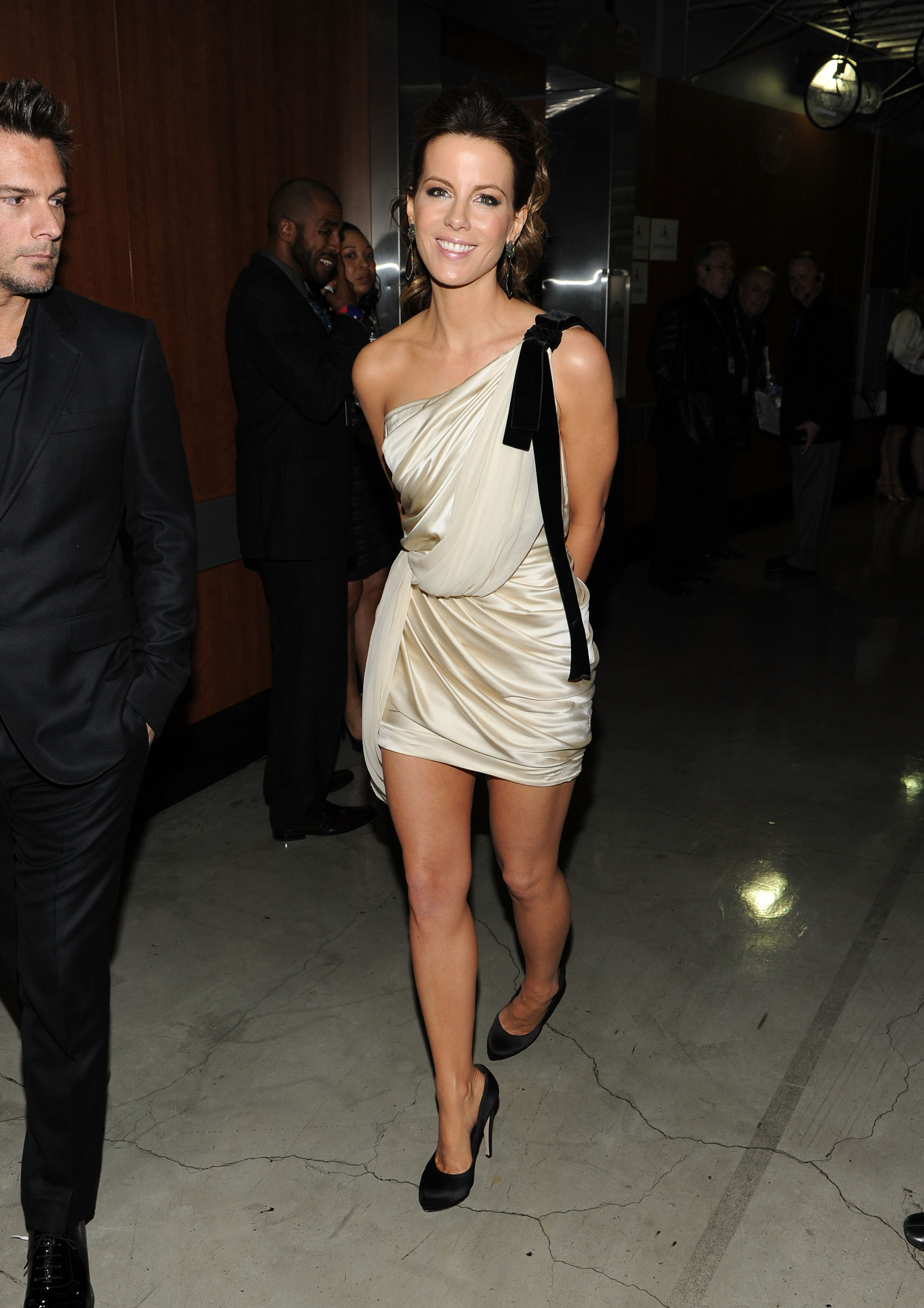 Kate Beckinsale wore a black and white min