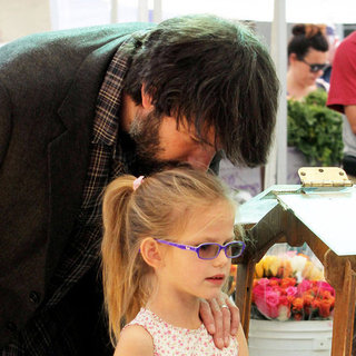 Ben Affleck With Violet & Seraphina Farmers Market Pictures