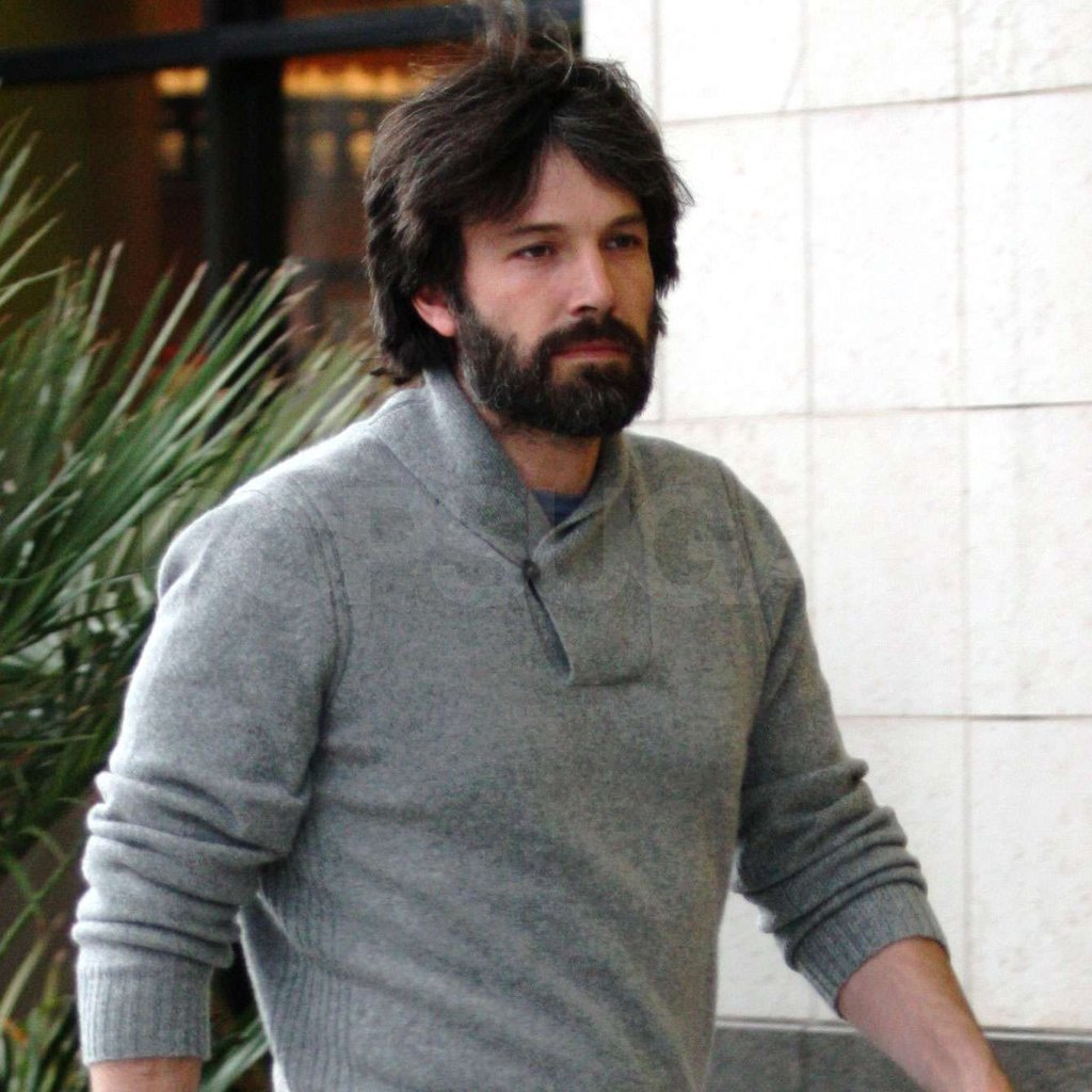 Ben Affleck has been rocking a heavy beard.