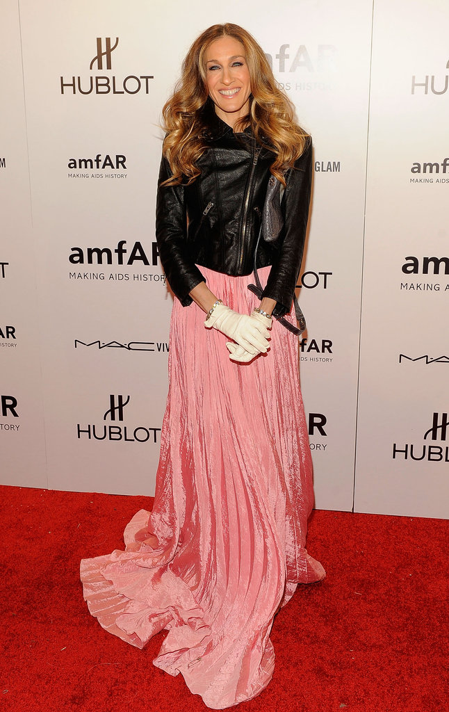Sarah Jessica Parker topped her dreamy pink Oscar de la Renta gown with a Theyskens' Theory leather jacket.