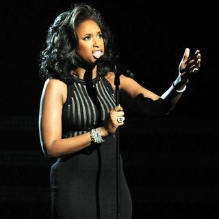 Whitney Houston Grammy Tribute (Video)