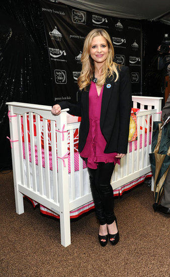 Sarah Michelle Gellar announced that each mother in attendance would be getting a free crib from Pottery Barn Kids.
