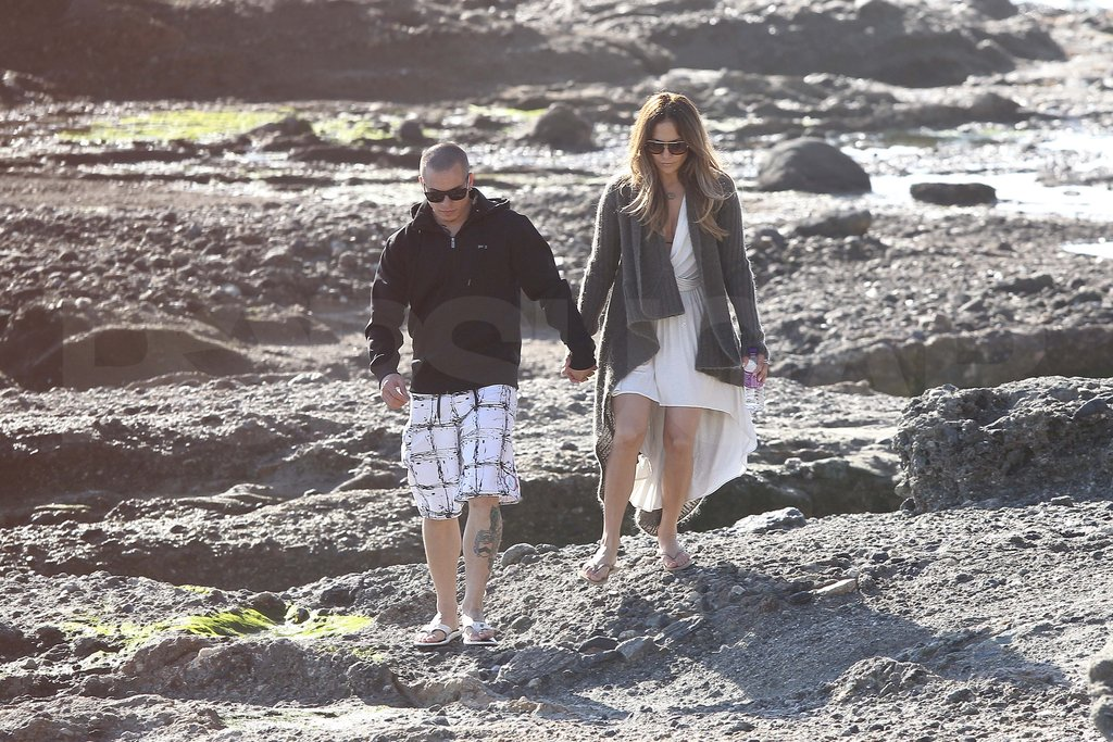 Jennifer Lopez and Casper Smart took a romantic Valentine's Day walk.
