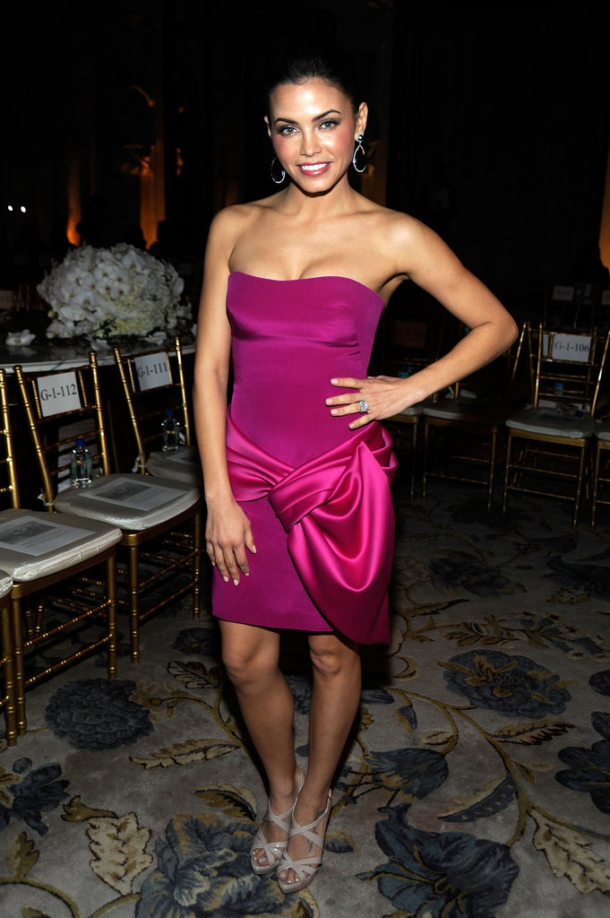 Jenna Dewan dressed up for Marchesa's F/W 2012 show.