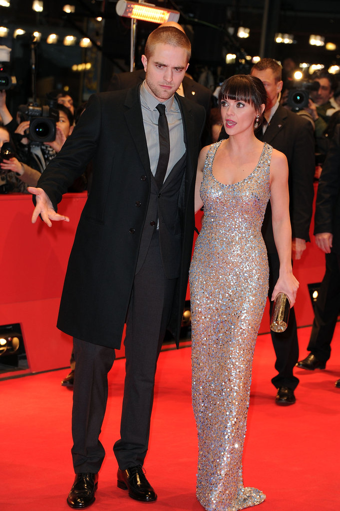 Rob and Christina had a chat as they strolled down the red carpet.