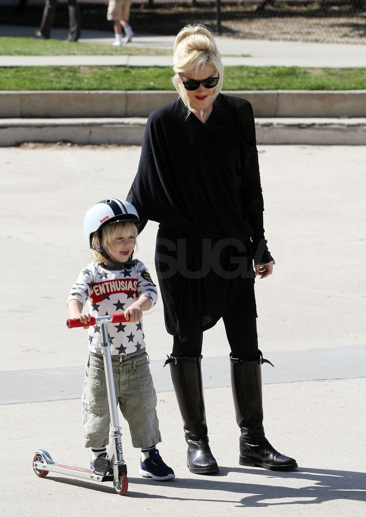 Gwen Stefani watched Zuma scoot around a park.