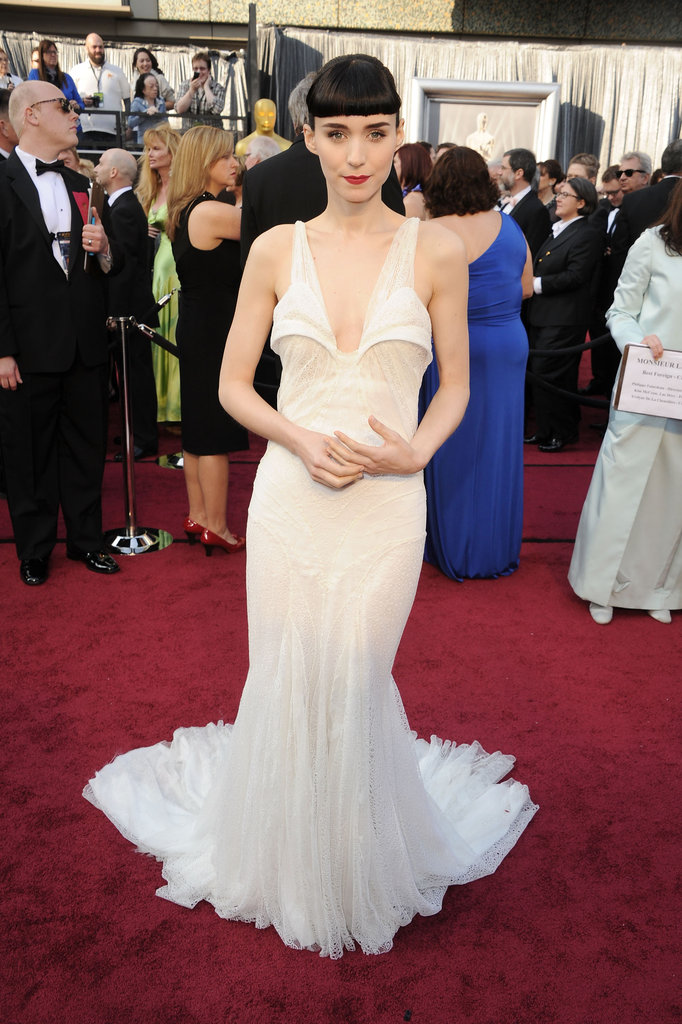 Rooney Mara Strikes a Pose on the Oscars Red Carpet