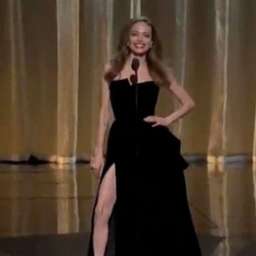 The Descendants Screenwriter Imitates Angelina Jolie's Leg Pose at 2012 Oscars