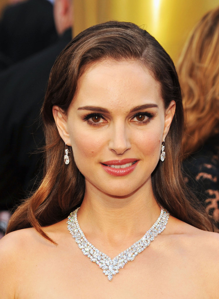 Natalie Portman channeled vintage glamour in Dior and a set of diamond earrings and a luxe diamond necklace.