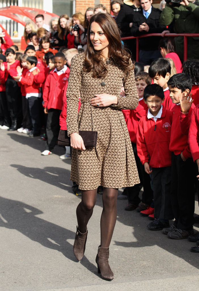 Kate Middleton made a solo trip to the Rose Hill Primary School in Oxford.
