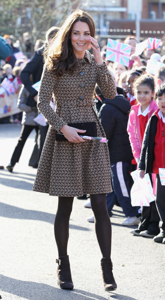 Kate Middleton walked to the Rose Hill Primary School in Oxford.