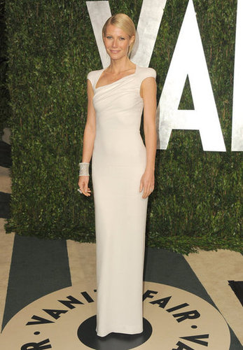 Gwyneth Paltrow arrives at the Vanity Fair party in Tom Ford.