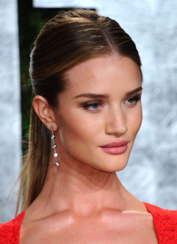 Rosie Huntington-Whiteley's Harry Winston jewels have a perfectly subtle-glam quality.  4801834