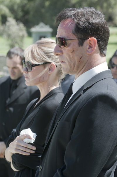Laura Allen as Hannah and Jason Isaacs as Michael Britten in Awake. Photo courtesy of NBC