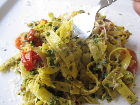 Pasta With Pesto and Roasted Tomatoes