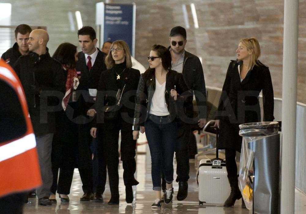 Robert Pattinson and Kristen Stewart Say Adieu to Paris Together