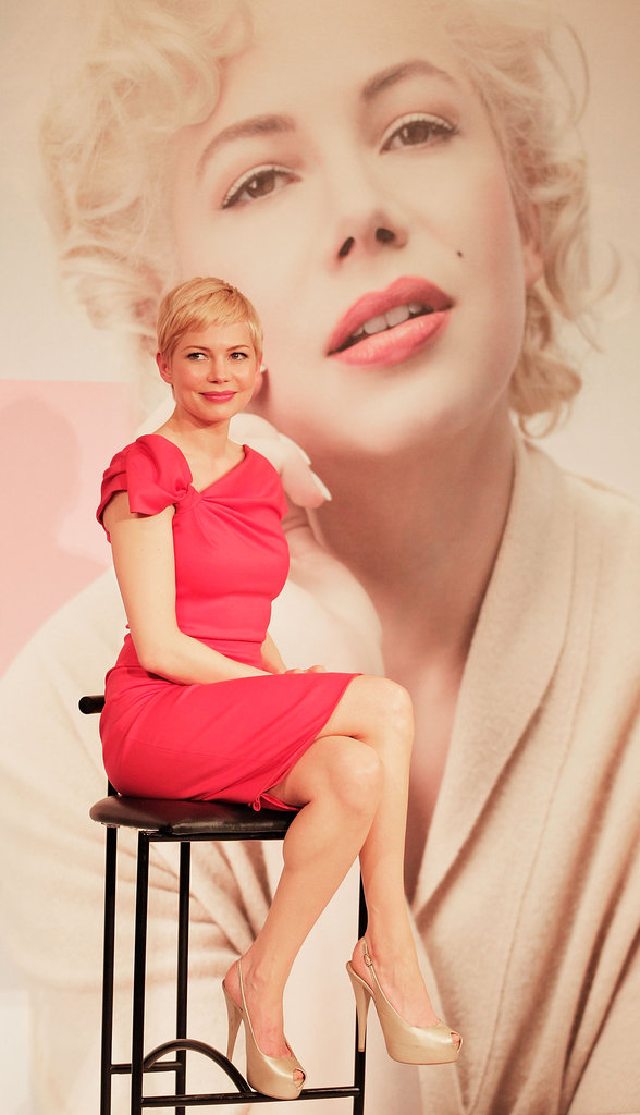 Ever notice how Michelle Williams's skin glows? Take a closer look at her flawless face and nude heels at her My Week With Marilyn press day in Tokyo.