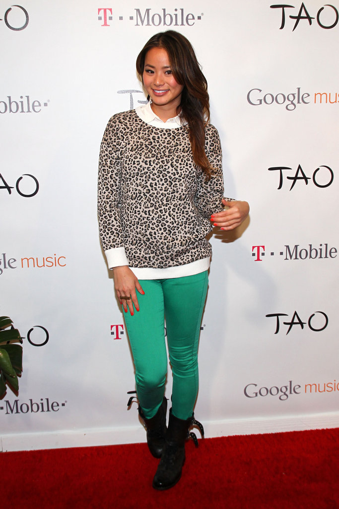 Jamie Chung got on the coloured-jeans band wagon with a pair of emerald-hued skinnies.