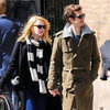 Emma Stone and Andrew Garfield Holding Hands Pictures