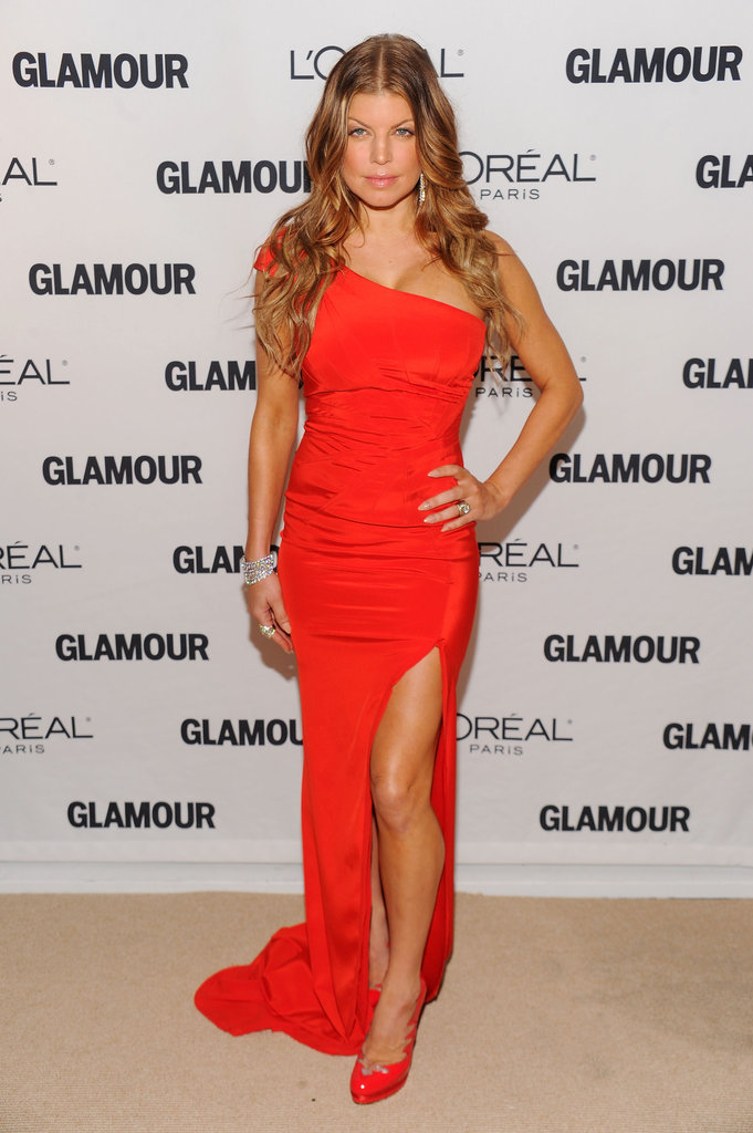 She looked red hot at the Glamour Women of the Year Awards in 2010 — her asymmetrical Zac Posen gown showed off her curves to a tee, and that slit? So sexy.