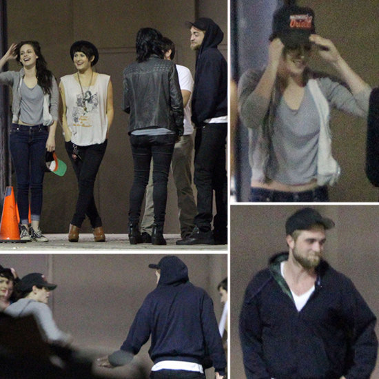 Robert Pattinson and Kristen Stewart Get Close on a Smoke Break