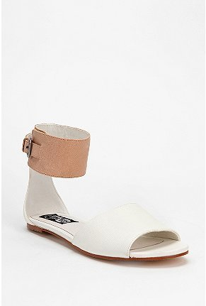 Cheap Monday Saviour Sianii Sandal