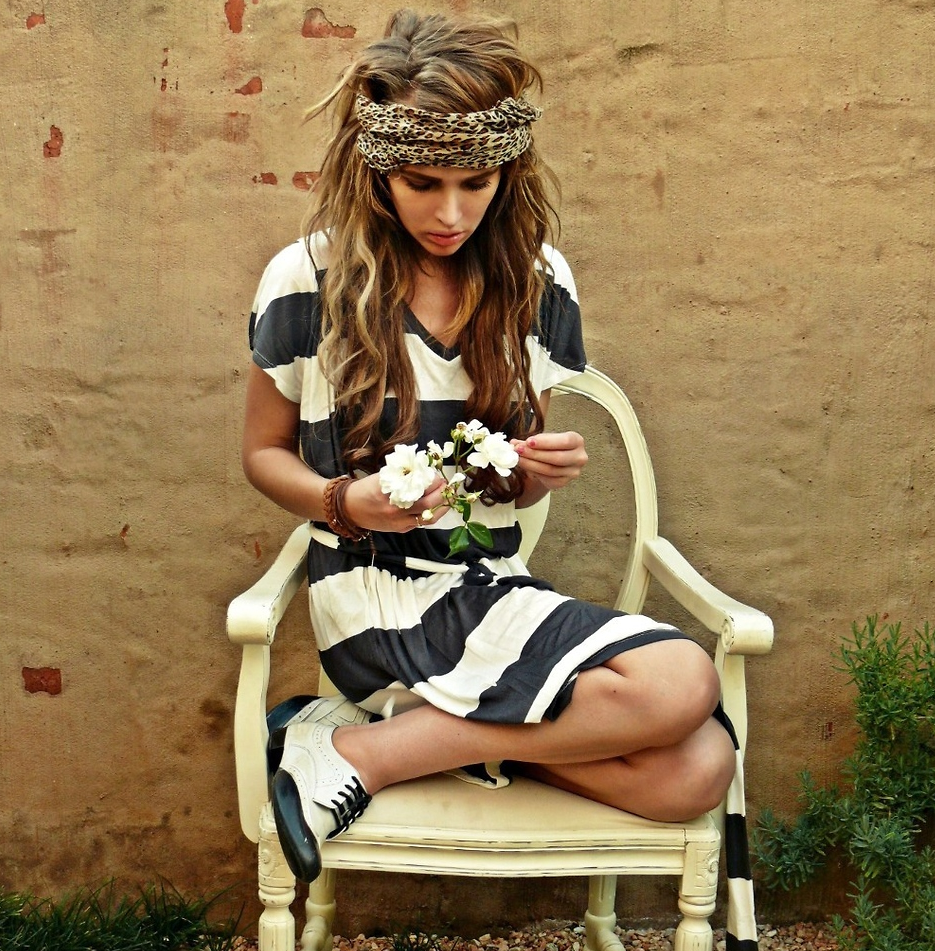 We love this hippie-meets-hipster look comprised of a stripe tee dress, oxfords, and turban headpiece.  Photo courtesy of lookbook.nu