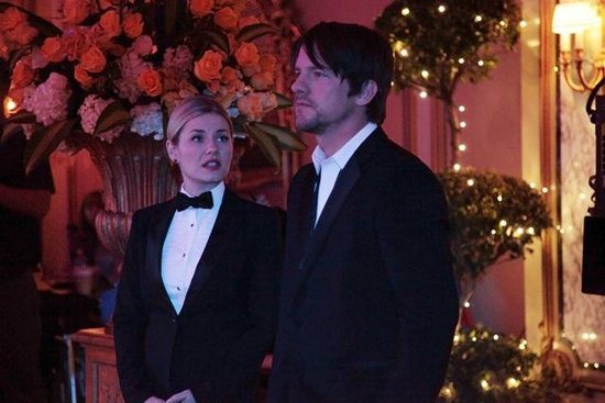 Elisha Cuthbert and Zachary Knighton on Happy Endings. Photo copyright 2012 ABC, Inc.