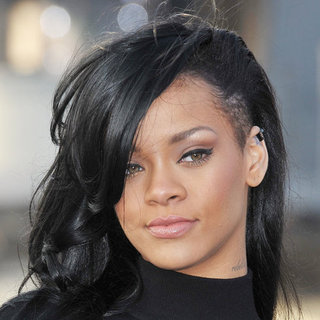 Rihanna Dyes Her Hair Black