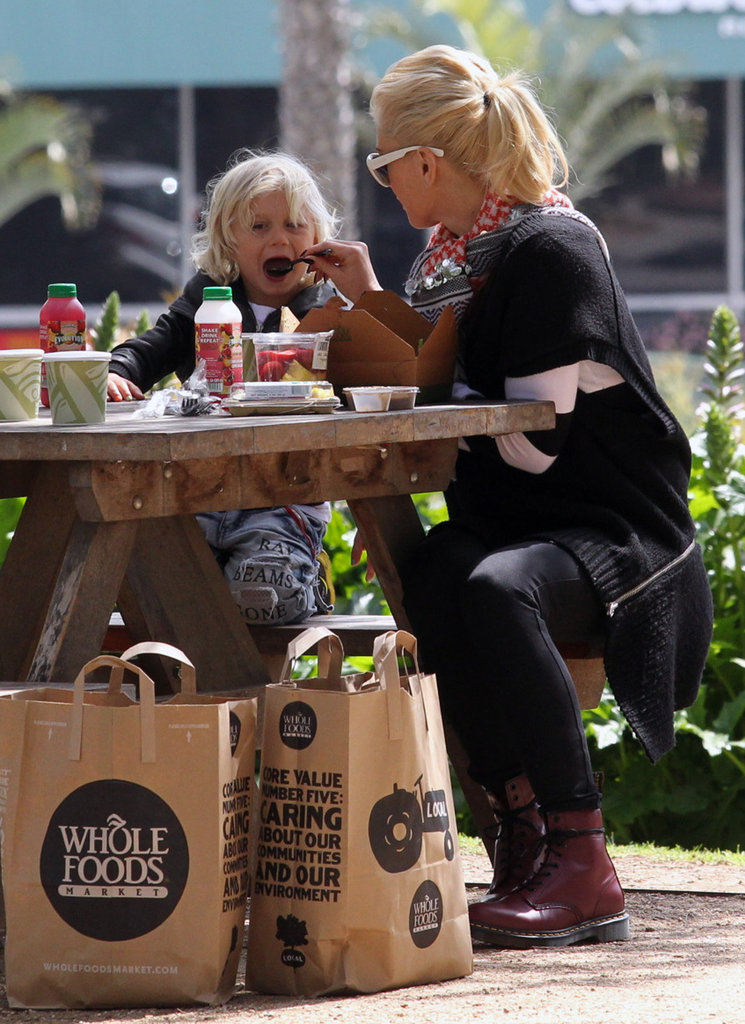 Gwen Stefani fed son Zuma during their Whole Foods picnic in an LA park.