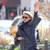 Cameron Diaz Hailing a Cab in NYC Pictures