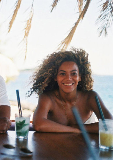 Beyoncé Knowles smiled big.
