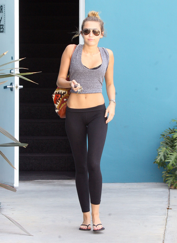 Miley Cyrus showed off her abs.