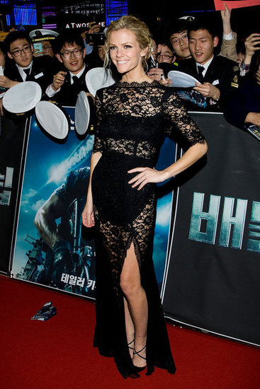 Brooklyn Decker wore black lace femmes d'armes.
